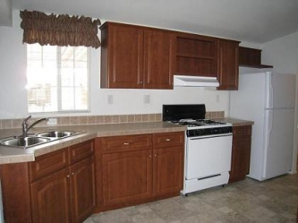 Kitchen - 2007 Palm Harbor Lot 418